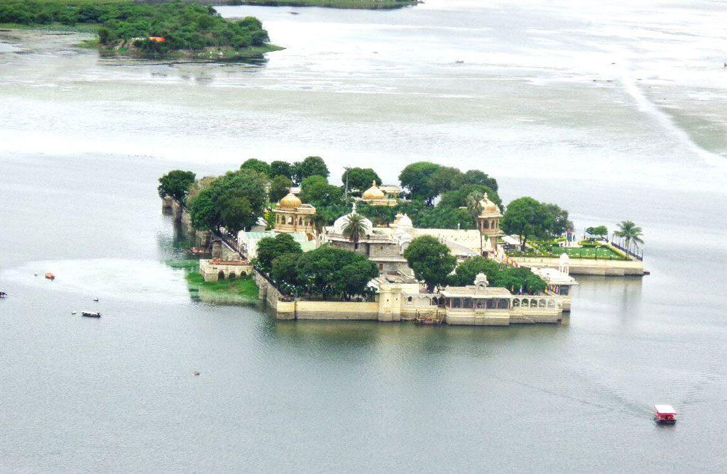 Udaipur Tour & Travel Guide